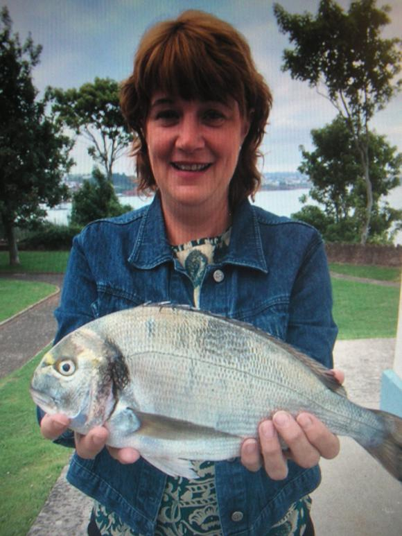 Gilthead Bream 2-8-5 new Ladies shore record